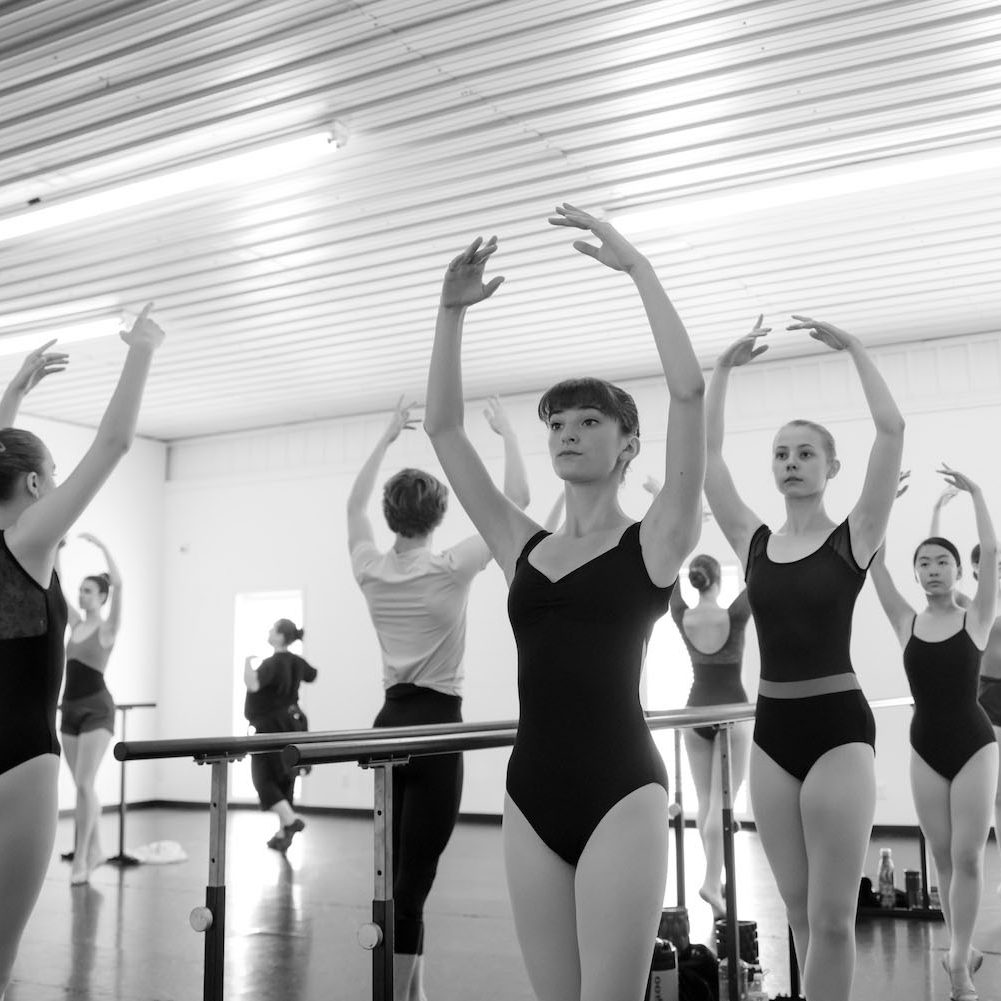 senior-classes-en-pointe-ballet-academy-indiana-5 1500